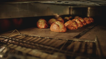 O que é um forno de lastro?
