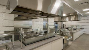 Otimização de espaço na cozinha industrial: como fazer e quais são os benefícios?